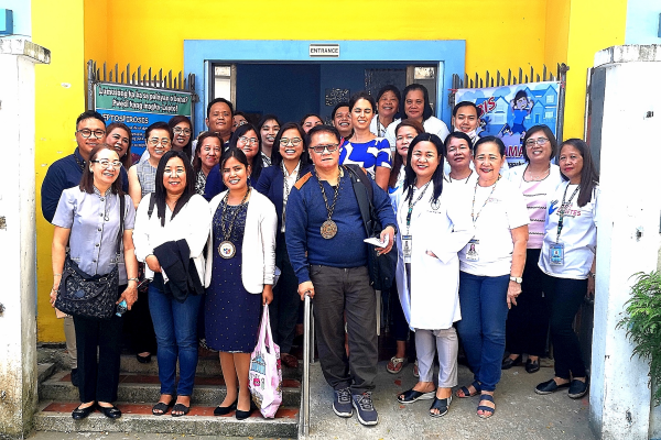 Photo: The Better Health Programme in the Philippines and representatives from the UK embassy visit Barangay Health Station Mental Health Service Providers. (Photo credit: Rogelio Ilagan)