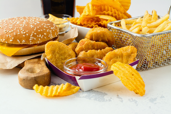 Fried and other fast food © Shutterstock
